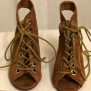 Herstyle suede shoes
